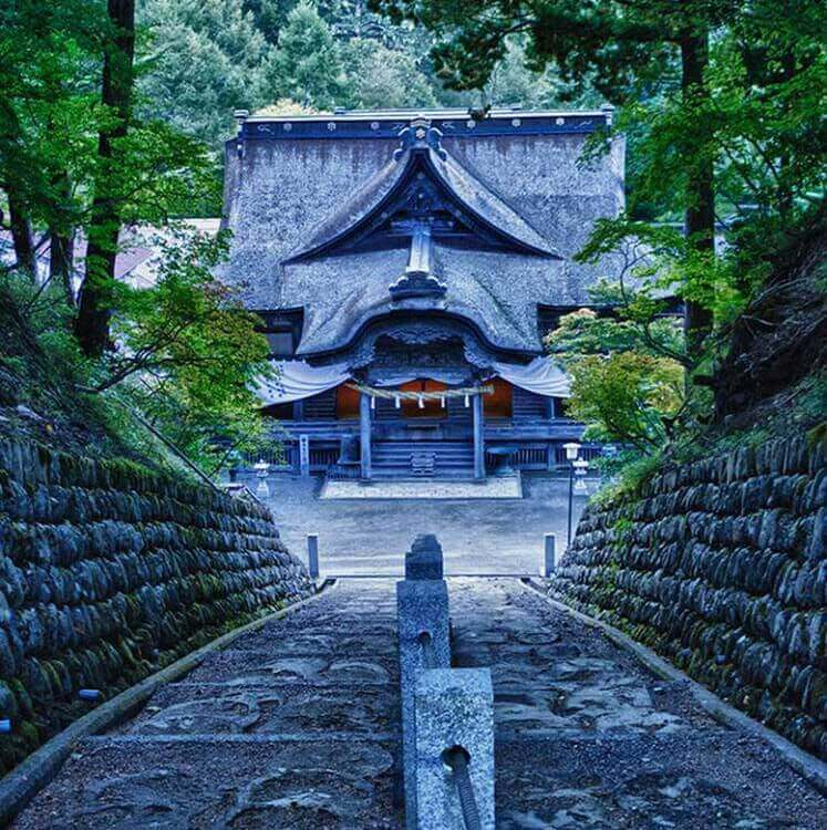 Eco Tours Japan temples and shrines tour in Yamanashi Japan